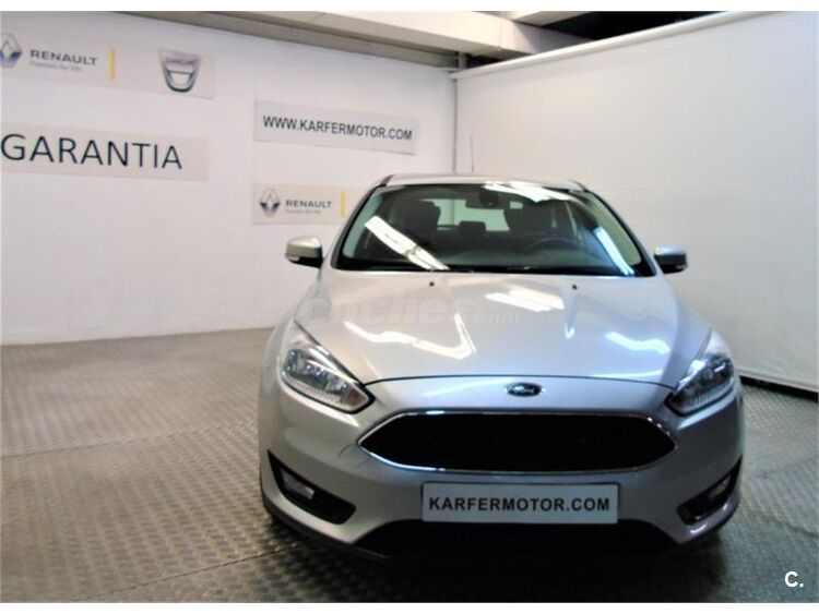 Ford Focus 1.6 TIVCT 92kW 125CV Trend 5p foto 3