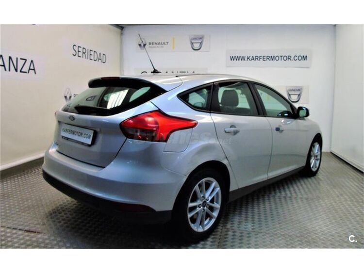 Ford Focus 1.6 TIVCT 92kW 125CV Trend 5p foto 5